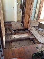 Rivning av toalett och golv plan 1.